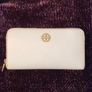 TORY BURCH WHITE WALLET - SALMON INSIDE